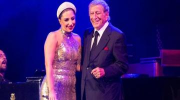 Η Λαίδη Γκάγκα (Lady Gaga) τραγουδάει τζαζ