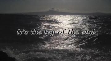 Going Going Gone μέσα στη θάλασσα..
