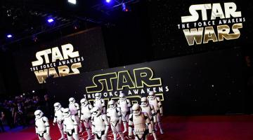 Το Star Wars έσπασε όλα τα ρεκόρ πωλήσεων εισιτηρίων