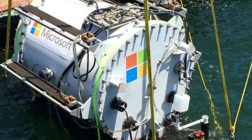 To Project Natick της Microsoft τοποθετεί τα data centers κάτω από το νερό