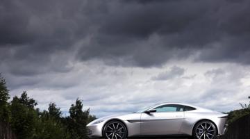 Η Aston Martin του Τζέιμς Μποντ στο «Spectre» πουλήθηκε έναντι 3,5 εκατ. δολαρίων