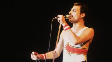 Eπιστήμονες αποκαλύπτουν τι ήταν αυτό που έκανε αξεπέραστη τη φωνή του Freddie Mercury
