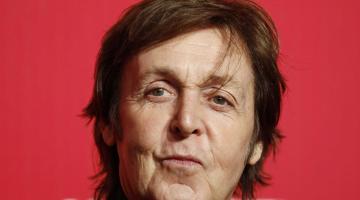 Ο Paul McCartney δοκιμάζει τις φωτογραφίες 360 μοιρών του Facebook!