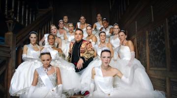 Δείτε το νέο βίντεο κλιπ του Ρόμπι Γουίλιαμς (Robbie Williams)