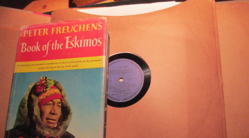 Chris travels at 78 RPM: «Eargasims»– Episode 7