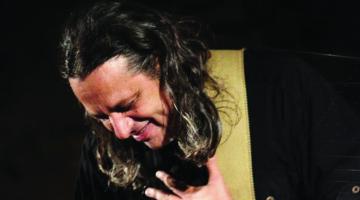 Ο Δημήτρης Ζερβουδάκης για 2 ΜΟΝΟ παραστάσεις @ KREMLINO  21 & 28 ΙΑΝΟΥΑΡΙΟΥ