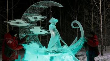 Εντυπωσιακά γλυπτά από πάγο στη Σιβηρία
