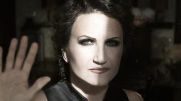 ΑΚΟΥΣΤΕ! Νέο τραγούδι από την Άλκηστη Πρωτοψάλτη: «Γύπας»