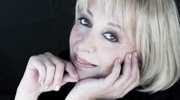 Η Αλέκα Κανελλίδου συναντά τον Γιάννη Σπανό τις Παρασκευές του Μαρτίου @ Γυάλινο Μουσικό Θέατρο