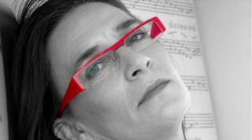Η Λίνα Νικολακοπούλου @ Σφίγγα  Βραδιές λόγου και μουσικής Τετάρτη 1, 8, 15, 22 και 29 Μαρτίου