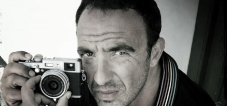 Νίκος Αλιάγας | Βίντεο από τα εγκαίνια της έκθεσης φωτογραφίας «L' epreuve du Temps».