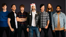 "Maroon 5 returns with their best LP of the decade according to ""Entertaiment Weekly"""