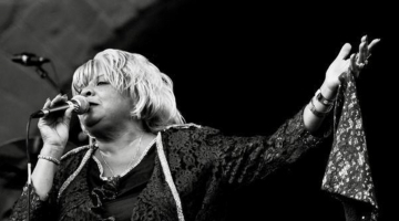 Sandra Hall & The Blues Explosion @ HALF NOTE | Παρασκευή 11 έως Δευτέρα 14 Μαΐου