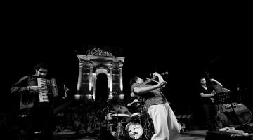 LUCA CIARLA QUARTET – O συναρπαστικός jazz & world κόσμος ενός κορυφαίου βιρτουόζου βιολιστή! @ Half Note