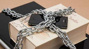 Πέντε βήματα ασφαλείας πριν τις διακοπές για να μην πέσετε θύματα χάκερς
