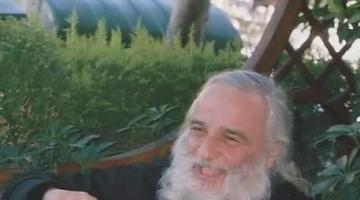 Λουλούδια ζωής, ευγνωμοσύνης, αγάπης στον αγαπημένο Γέροντα, τον π. Κωνσταντίνο Στρατηγόπουλο!