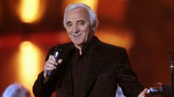 Διάσημοι καλλιτέχνες αποχαιρετούν τον Αζναβούρ