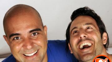 Λευτέρης Ελευθερίου και Αλκιβιάδης Κωνσταντόπουλος μαζί με τις κιθάρες τους στο NGradio.gr