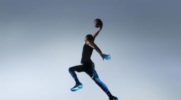Τέλος τα λυμένα κορδόνια! Η Nike φέρνει τα πρώτα παπούτσια που δένονται μόνα τους