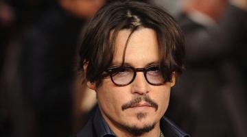 Δείτε πως ήταν ο Τζόννυ Ντεπ (Johnny Depp) όταν πήγαινε στο λύκειο