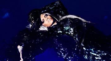 Η Ριάνα (Rihanna) με ασημένια μαλλιά
