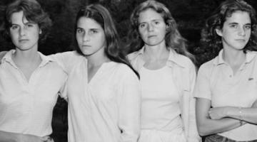 Αδελφές φωτογραφίζονται κάθε χρόνο από το 1975!