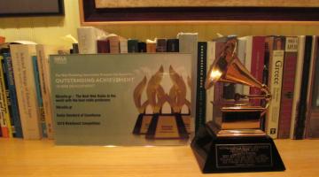 Βραβείο Grammy του Κρις Κινγκ (Chris King) και NGradio Award μαζί!