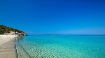 Δεύτερη παγκοσμίως η Ελλάδα σε ακτές με Γαλάζια Σημαία