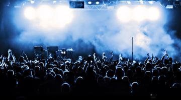 Οι πιο αναπάντεχες (αλλά πετυχημένες) συνεργασίες καλλιτεχνών επί σκηνής