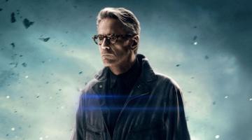 Ο Τζέρεμι Αϊρονς στο «Watchmen» του Ντέιμον Λίντελοφ