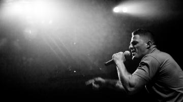 ΝΕΟ Τραγούδι με  βίντεο κλιπ  Ηλίας Παπανικολός (a.k.a. Εισβολέας) «Ρεαλιστής»