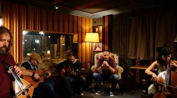 """Νέο single: """"Μέτρησα"""" από τους Έτερονήμισυ και τον Χρήστο Νινιό"""