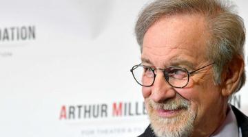 Spielberg Takes Another Swipe At Netflix, Amazon, Hulu: Nothing Like Cinema