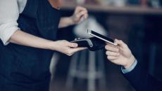 Πληρώνετε με το κινητό σας; Μείνετε ασφαλείς