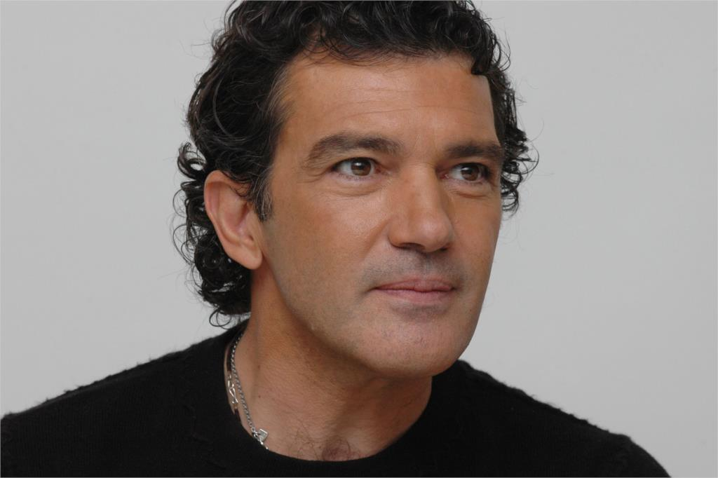 Spanish-actor-Antonio-Banderas-Curly-hair-Home-Decoration-Art-silk ...