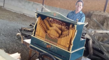 "Watch Michael Jackson's ""Smooth Criminal"" covered on a barrel organ?"