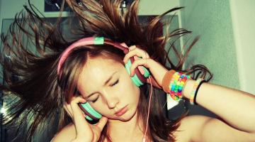 Περισσότερες πωλήσεις για τα παλιά τραγούδια από τα καινούργια το 2015