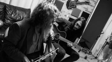 Ψαραντώνης και Μάριος Λουπάσης παντρεύουν την Κρητική παράδοση με την metal μουσική!