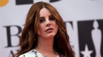 H Lana Del Rey στη δεύτερη ημέρα του Rockwave Festival 2016