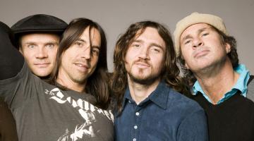 Μπασίστας των Red Hot Chili Peppers: Η ροκ πέθανε