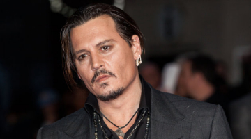 Grateful Johnny Depp at the People's Choice Awards: 'I came here for you, the people'