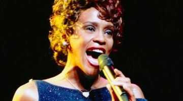 Ετοιμάζεται ντοκιμαντέρ για τη ζωή της Whitney Houston