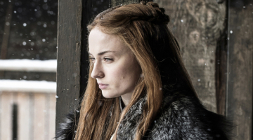 'Game of Thrones' Trailer Reveals Melisandre Counseling Daenerys