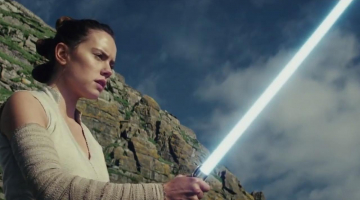 'The Last Jedi' Director on a Key Spot Where He Avoided Greenscreen