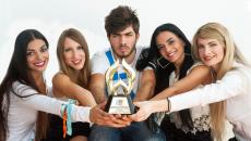 O NGradio.gr μεγάλος νικητής των WEBAWARDS 2017