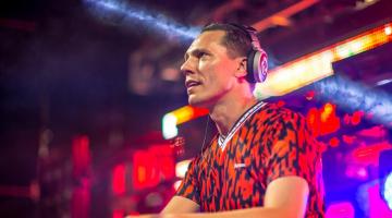 Ο Tiësto μας παρουσιάζει remixes της P!nk, της Miley Cyrus και του Khalid