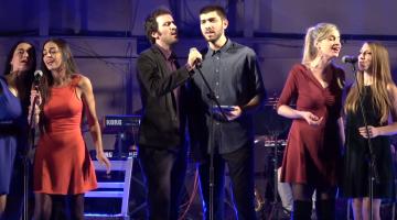 Ο NGradio ανοίγει την μουσική παράσταση του Μίμη Πλέσσα «Γοργόνες και μάγκες»
