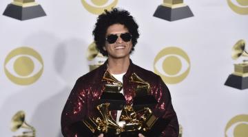 Grammys: Μεγάλος νικητής των βραβείων ο Μπρούνο Μαρς (Bruno Mars)