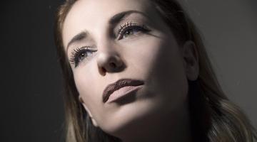 Η Γεωργία Νραγάκη παρουσιάζει την μουσική παράσταση «Αυτά που ζήλεψα» στον Ιανό