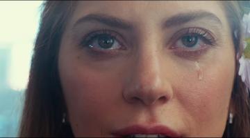 «A Star is Born»: Δείτε το τρέιλερ της πρώτης σκηνοθετικής δουλειάς του Bradley Cooper με πρωταγωνίστρια τη Lady Gaga